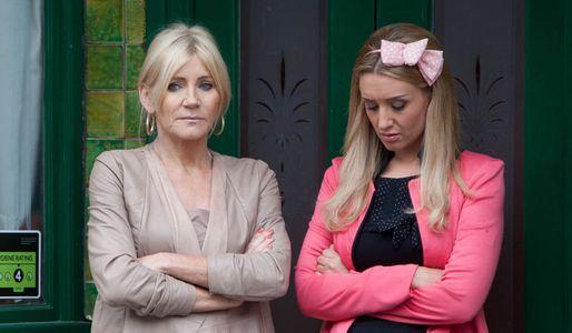 Eva keeps a secret from her mum