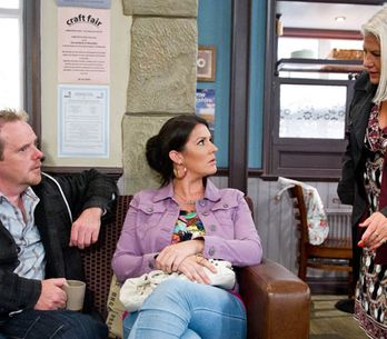 Emmerdale 09/10 - Joanie finds out about Amy's plans from Kerry
