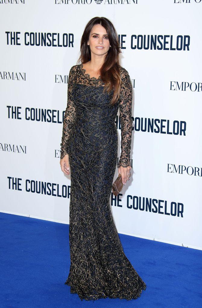 Penélope Cruz, radieuse dans sa robe Temperley London à Londres