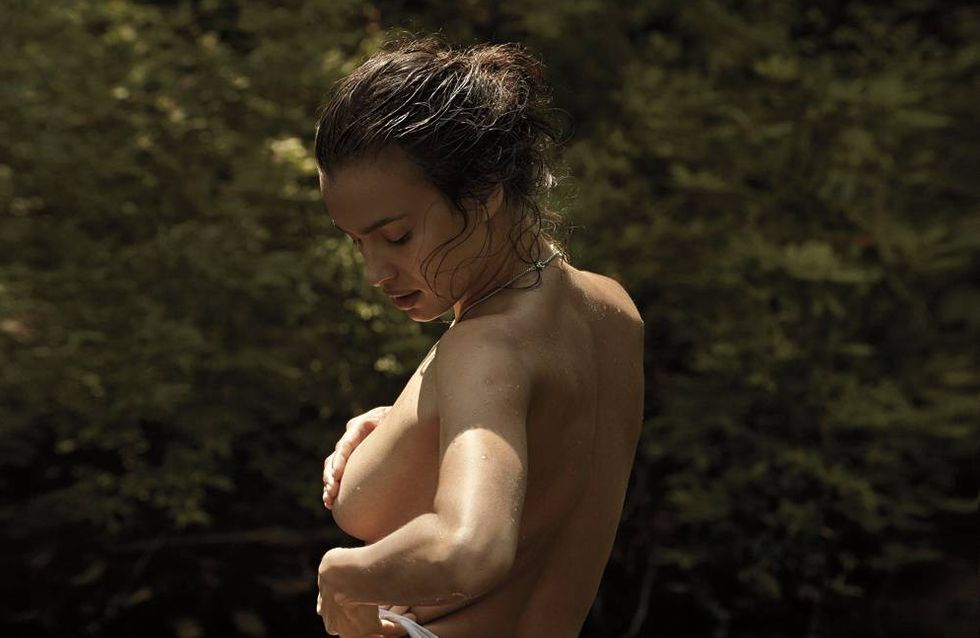 Irina Shayk : Topless pour V Magazine (Photos)