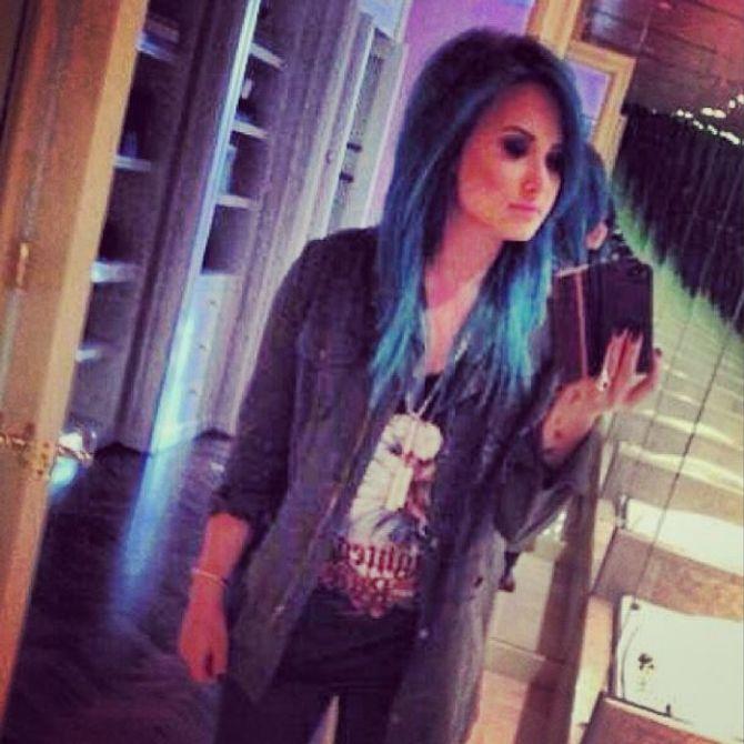 Demi Lovato cheveux bleus