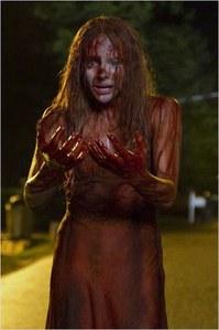 Chloë Grace Moretz effrayante dans son rôle de Carrie