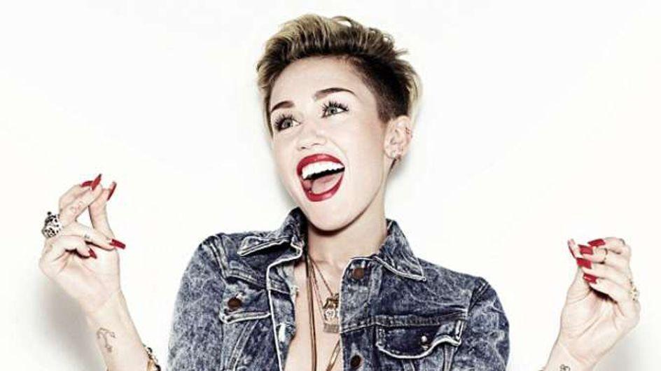 Miley Cyrus veut prouver que les cheveux courts et les petits seins sont sexy !