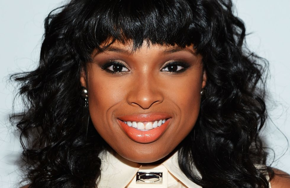 Jennifer Hudson : Elle perd sa jupe en direct (video)