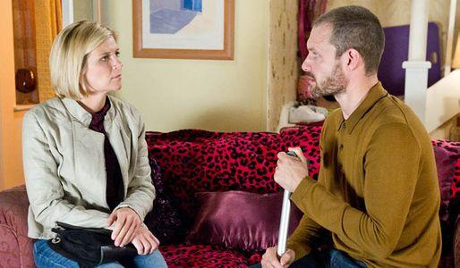 Nick wants Leanne back