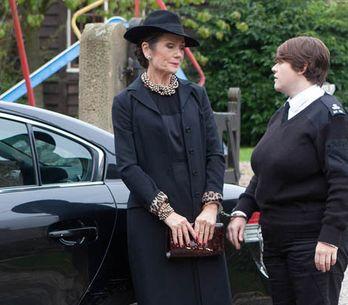 Emmerdale 30/10 – Prison escape during Alan's funeral