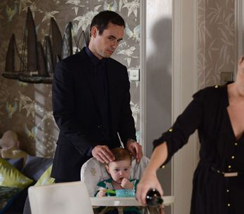 EastEnders 29/10 – Michael goes to Janine's house for dinner