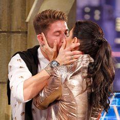 Sergio Ramos sorprende a Pilar Rubio y se funden en un beso