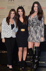 Kim Kardashian mit ihren Schwestern