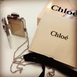 Le médaillon de parfum solide, une bonne idée signée Chloé