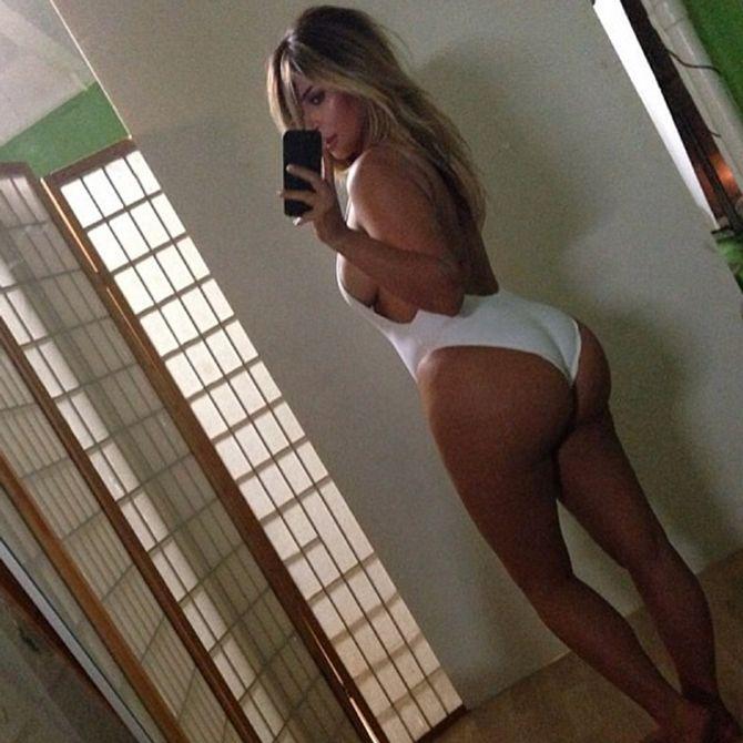 Kim Kardashian en maillot