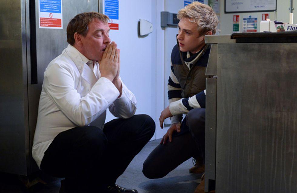 EastEnders 08/11 – Ian is cracking under the pressure