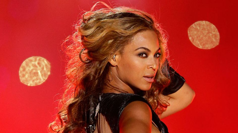 Beyoncé photobombs delighted fan's selfie at concert