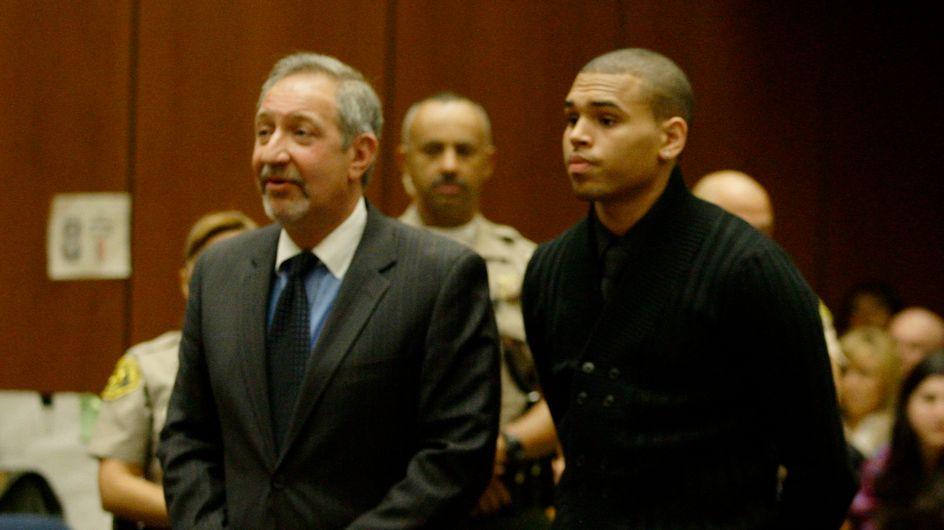 Chris Brown entra in comunità