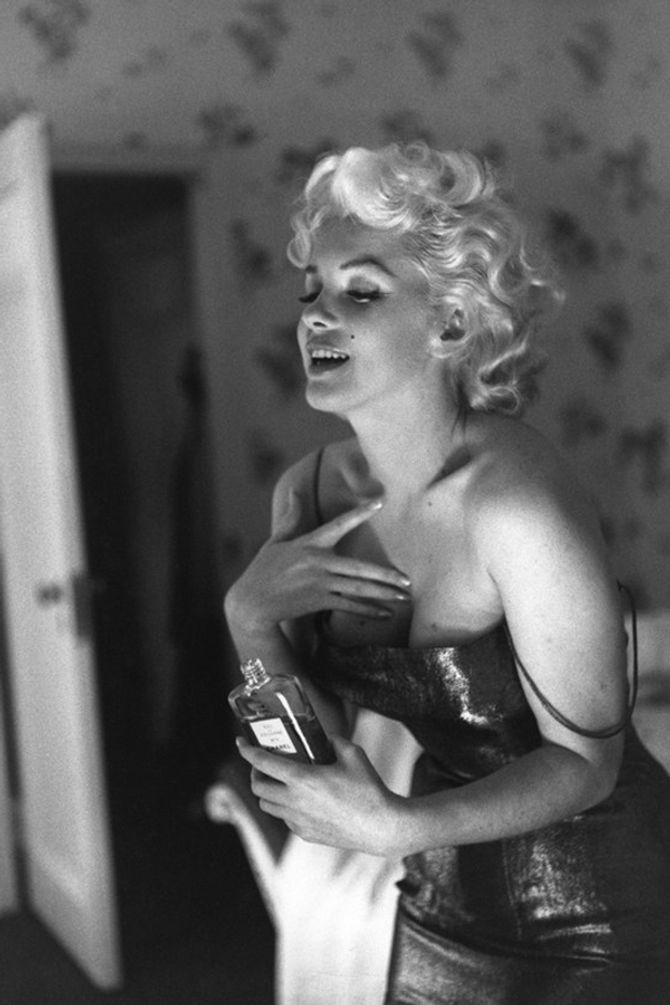 Watch: The new Marilyn Monroe Chanel No.5 advert