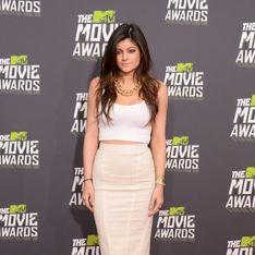Kylie Jenner : Elle ose le décolleté transparent (photo)