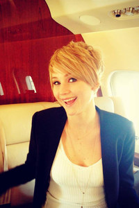Jennifer Lawrence gets a pixie crop: Hunger Games star debuts new short hair!