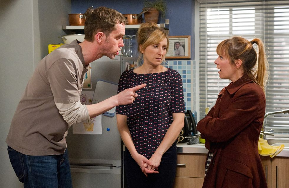 Emmerdale 18/11 – Marlon is suspicious of Rhona