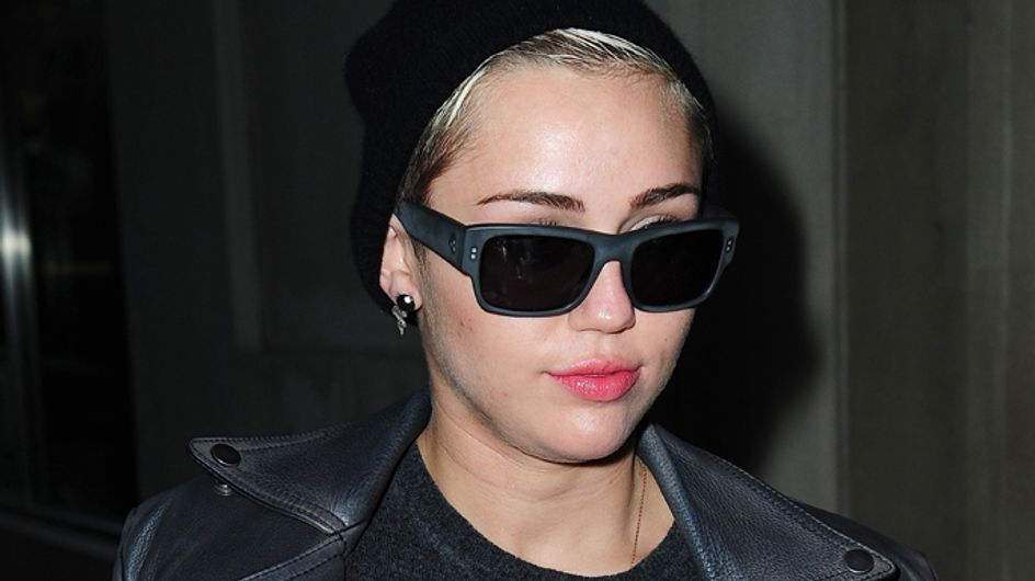 Did Miley Cyrus smoke weed on stage at MTV EMA awards?