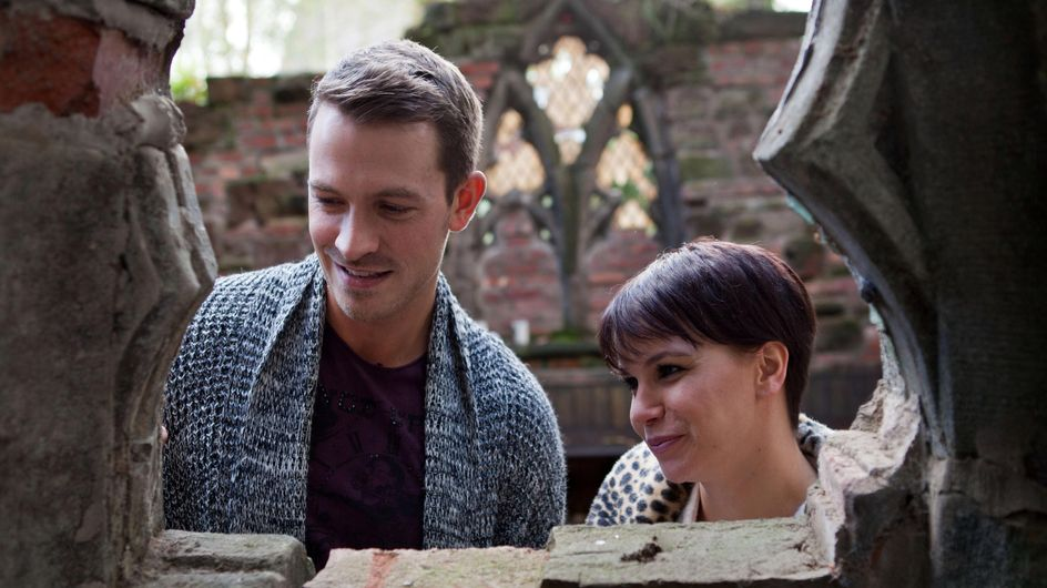 Hollyoaks 19/11 – Darren and Nancy reminisce about old times