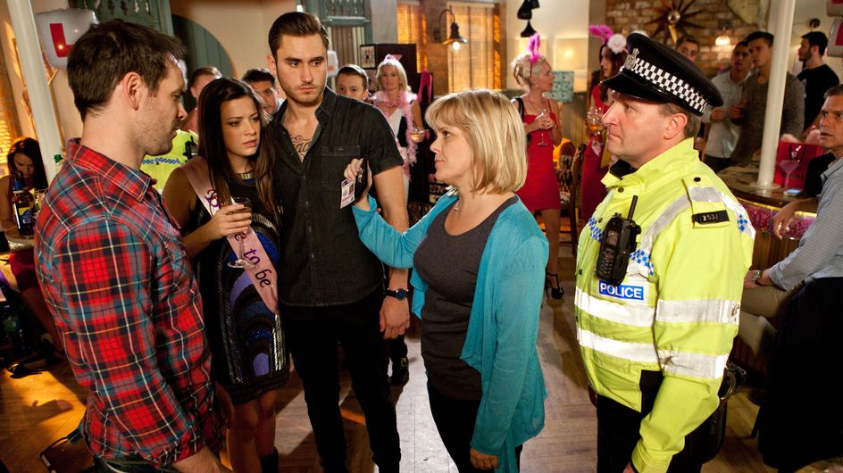 Hollyoaks 20/11 – Sam makes an arrest at Lindsay's hen party