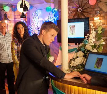 Hollyoaks 22/11 – Robbie takes his revenge on Ruby