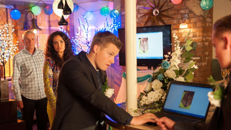 Hollyoaks 22/11 – Robbie takes his revenge on Ruby