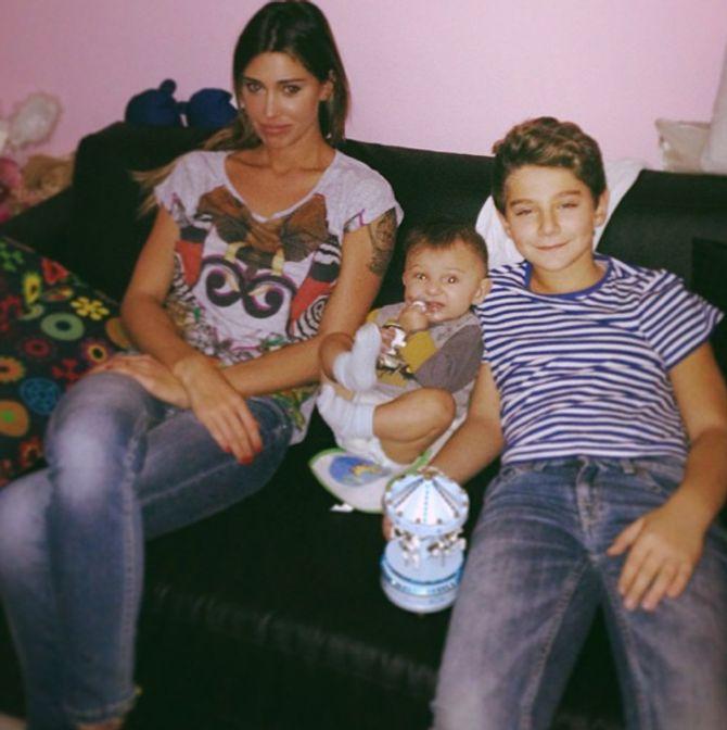 Belén Rodriguez, il piccolo Santiago e il fratello di Stefano, Davide De Martino