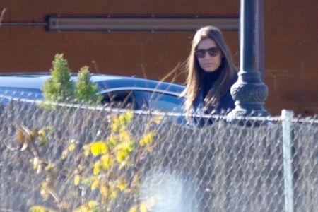 Ana Boyer saliendo del restaurante de los padre de Verdasco