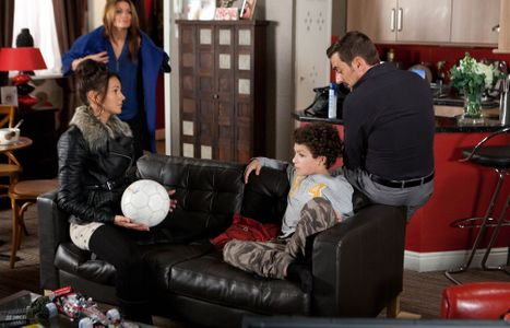 Simon stays home from school with Tina