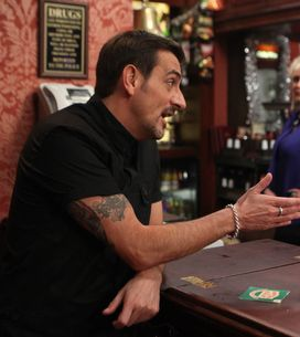 Coronation Street 27/11 – People notice Tina and Peter's chemistry