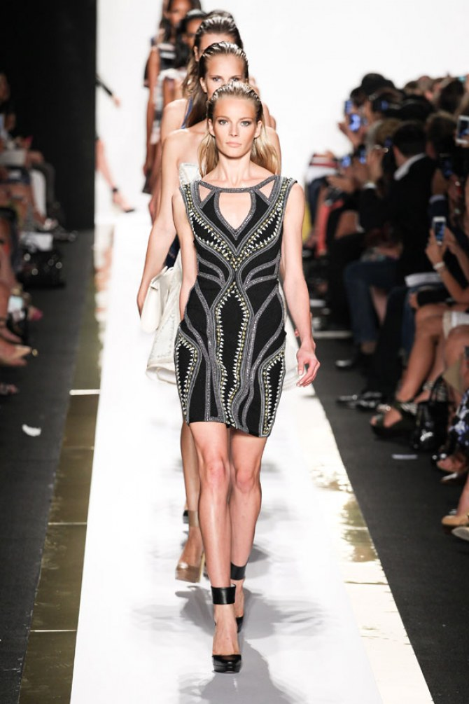 Models at Herve Leger