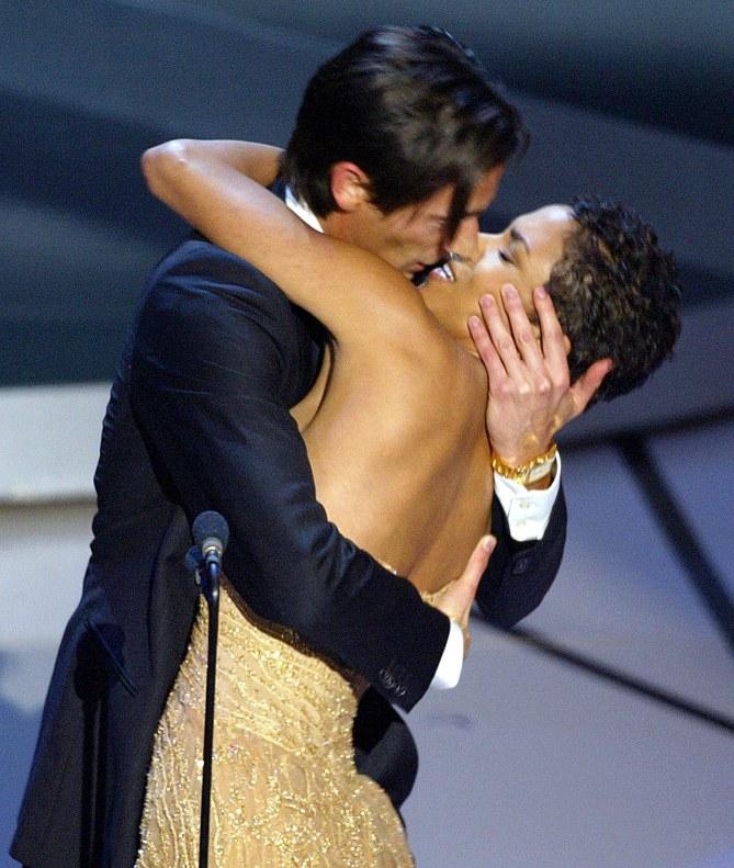 Halle Berry en 2003 aux Oscars