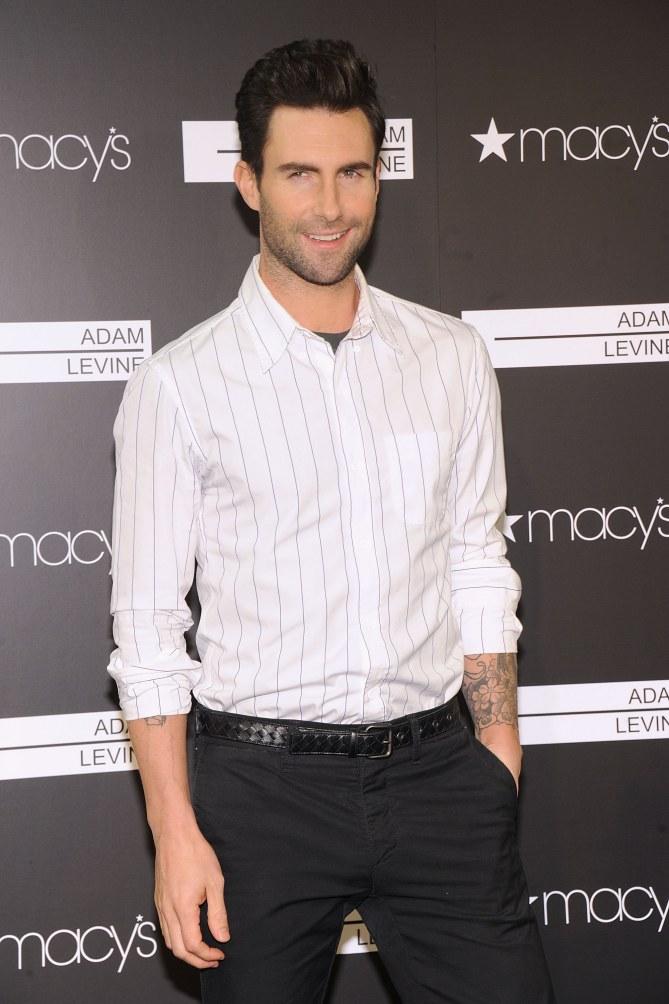 Adam Levine : Elu mec le plus sexy de l'année 2013