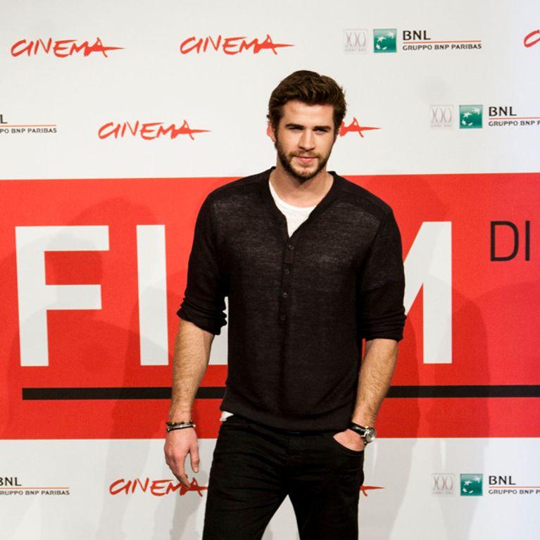 Liam Hemsworth Er Hatte Sex Unterricht Bei Seiner Mutter
