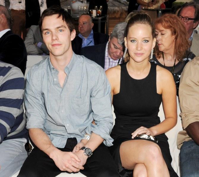 Jennifer Lawrence et Nicholas Hoult fiancés ?