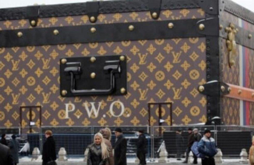 Louis Vuitton : La malle géante fait polémique en Russie