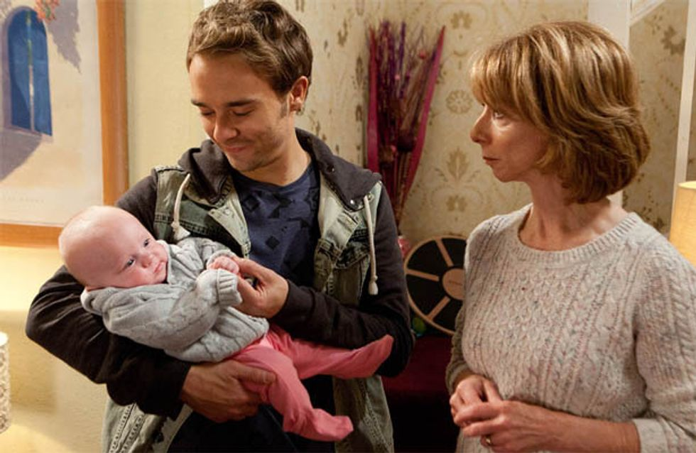 Coronation Street 11/12 – Nick forces Gail to choose between him and David
