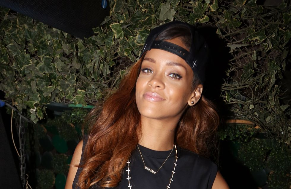 Rihanna : Sa manucure flippante et aiguisée (Photo)