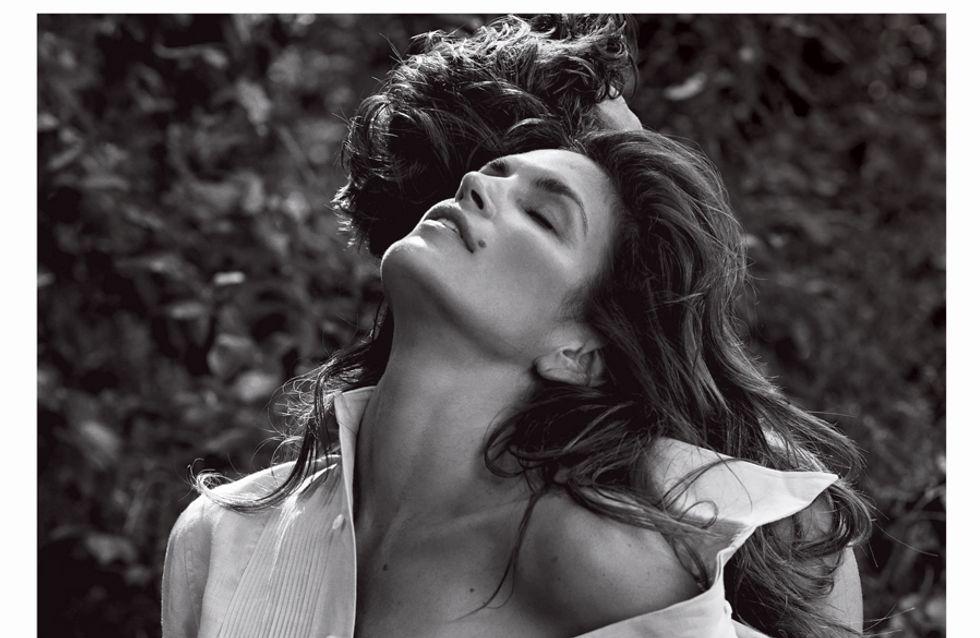 Cindy Crawford nue pour V Magazine : L'ex-icône toujours au top (Photos)
