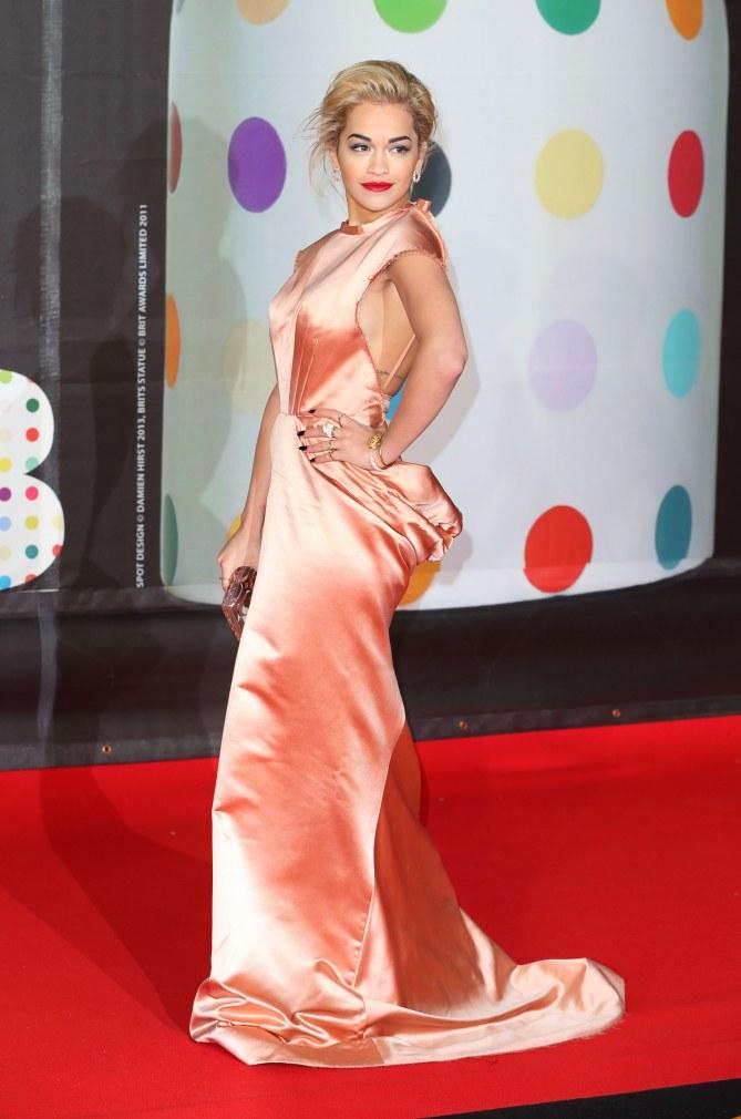 Platz 10: Rita Ora in Ulyana Sergeenko