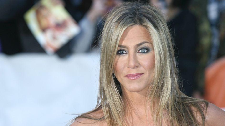 Jennifer Aniston hosts star-studded A-list Christmas party