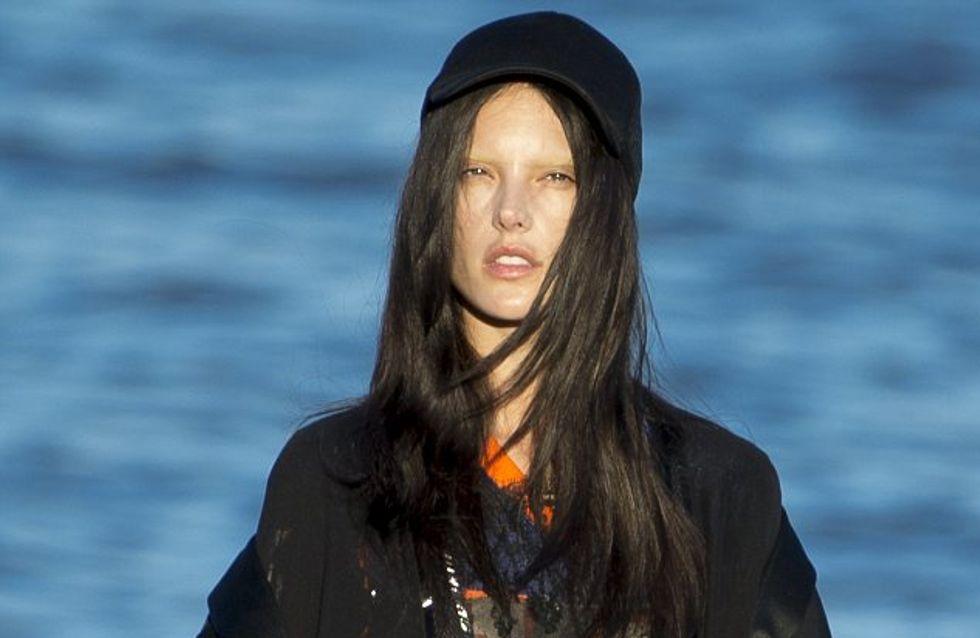Alessandra Ambrosio : Méconnaissable sans sourcils