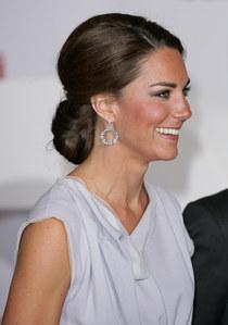 On copie le chignon sophistiqué de Kate Middleton pour les Fêtes