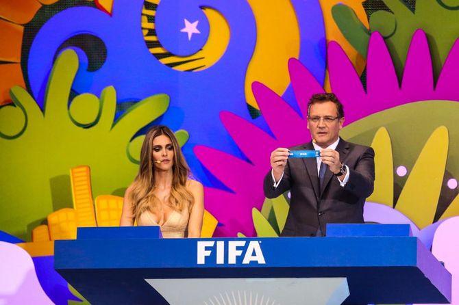 Fernanda Lima no sorteio para a Copa do Mundo FIFA 2014
