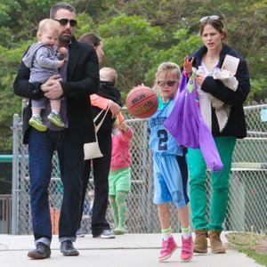 Ben Affleck insieme alla moglie e ai figli