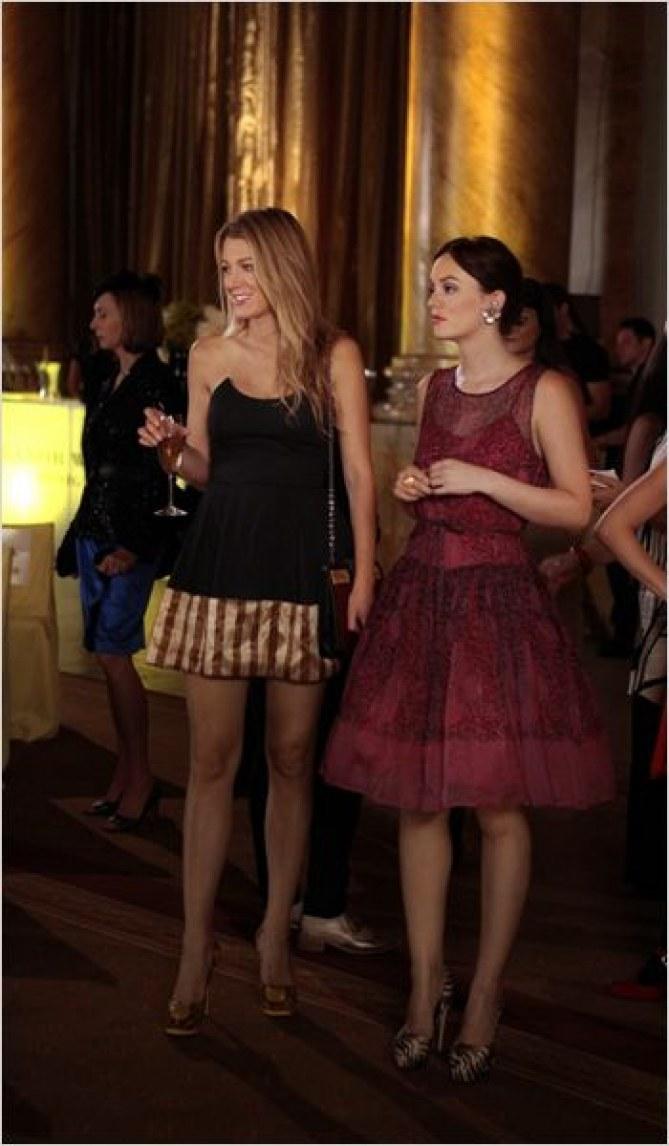 Blake Lively et Leighton Meester dans la série Gossip Girl