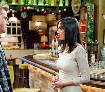 Emmerdale 24/12 – Priya pleas for David to leave Alicia