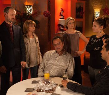 Coronation Street 23/12 – Kylie is breaking down