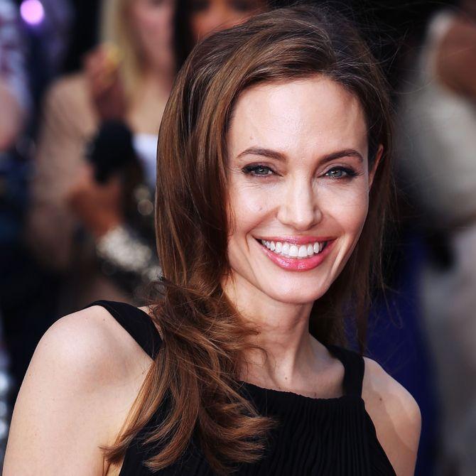 Angelina Jolie toma banho apenas uma vez por semana!